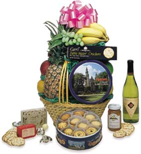 The Traditional Basket with Champagne